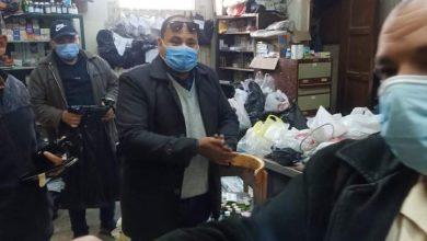 Photo of شاهد بالصور حى غرب شبرا الخيمة يشن حملة على المقاهى المخالفة ويغلق عدد من المحل