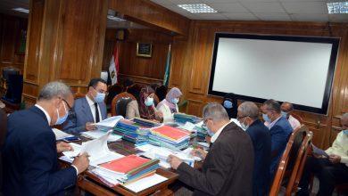 Photo of محافظ القليوبية يجتمع باللجنة العليا للقيادات لاختيار وظائف سكرتير مدينة أو مركز أو حي