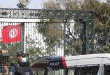 Photo of قوات الأمن التونسية تقتحم قناة الزيتونة وتحجز معداتها